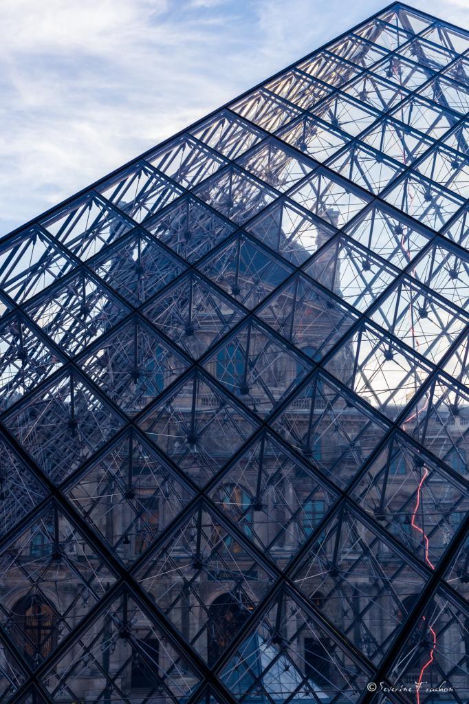 Transparence de la pyramide
